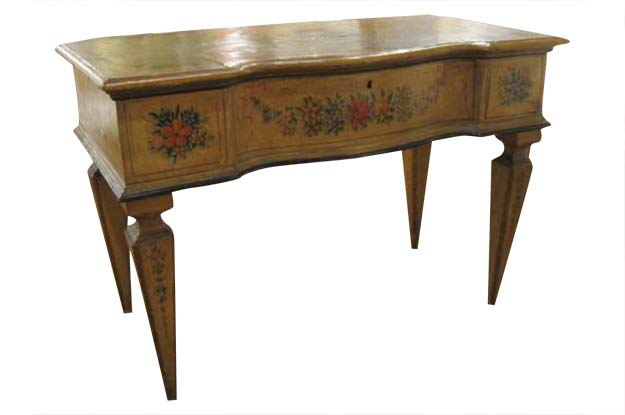 18th Century Venetian Painted Lift Top Dressing Table  c.1730