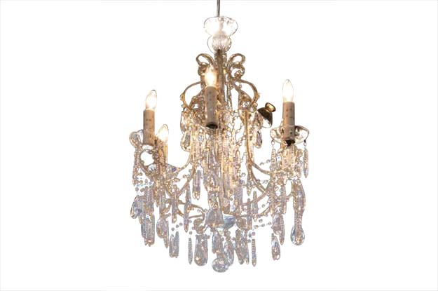 Italian 19th Century Crystal Chandelier with Beaded Candle Arms and Etched Glass Bobeches